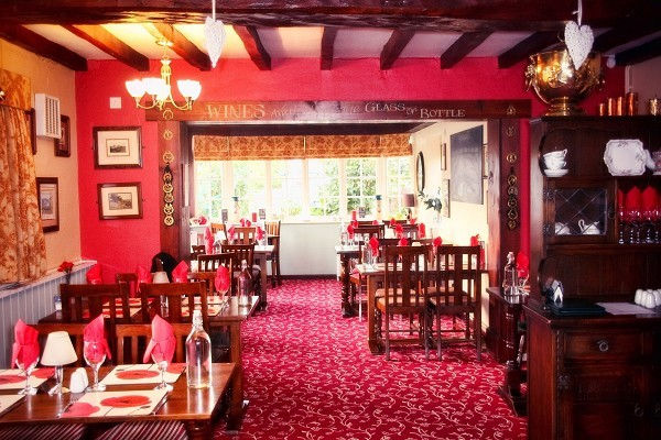 Eating out in moggerhanger at the guinea publicscrutiny Image collections